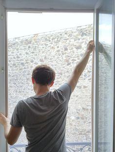 Découvrez le tuto DIY complet pour réaliser votre moustiquaire 100% DIY ... Porte Diy, Dremel, Diy Art, How To Plan, Inspiration, Spa, Scampi, Homemade, Balcony