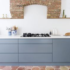 Slate grey and white kitchen with brick chimney breast Kitchen Chimney, Barn Kitchen, Best Kitchen Designs, Modern Kitchen Design, Kitchen Ideas, Kitchen Inspiration, Kitchen Decor, Kitchen Interior, Interior Design Living Room