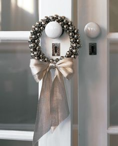 Jingle bell wreath.  LOVE THIS - so elegant, and darling~