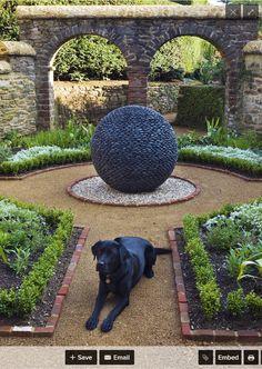 Hier Ist Eine Erstaunliche Skulptur Als Ein Mittelstück Verwendet. Haben  Sie Eine Große Oder Interessante Stück Platzieren Sie Es In Der Mitte Ihres  Space ...
