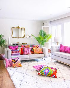 Having small living room can be one of all your problem about decoration home. To solve that, you will create the illusion of a larger space and painting your small living room with bright colors c… Living Room Decor Colors, Colourful Living Room, Room Colors, House Colors, Living Room Designs, Bedroom Decor, Living Room With Color, Living Room Accessories, Living Room Remodel