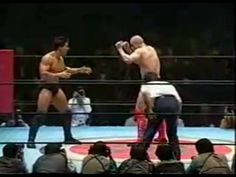 Bas Rutten backhands Frank Shamrock