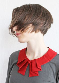 Fine Peter Pan collar cotton satin pleats red de espendru sur DaWanda.com
