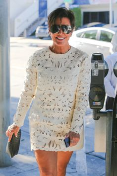 Igual pero mas largo Estilo Kris Jenner, Kris Jenner Style, Girl Fashion, Fashion Dresses, Womens Fashion, Outing Outfit, Princesa Mary, Good Looking Women, Stylish Eve