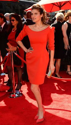 Lake Bell Photos - Actress Lake Bell poses at the 2013 Creative Arts Emmy Awards held at the Nokia Theatre L. - Arrivals at the Creative Arts Emmy Awards Dress Red, Peplum Dress, Lake Bell, Creative Art, Awards, Dresses For Work, Photos, Vintage, Style