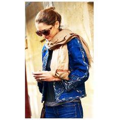 STREET DETAILS #emmetrend #fashionicon #fashionblogger #details #streetchic #streetwear #streetstyle #streetfashion #styleblog #model #moda #jewerly #style #outfit #jacket #blogger #voguistas #fashionista #styleicon #scarf #sunglasses #chic #boho #ferragamo