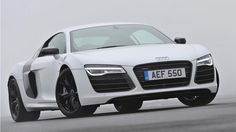 Well, real world, sort of… Audi's plus model uses a mid-mounted, normally aspirated borro. Audi R8 V10 Plus, Sports Magazine, Car In The World, Car Ins, Fast Cars, Sport Cars, Dream Cars, Automobile, Pictures