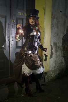 A great example of steampunk fashion.