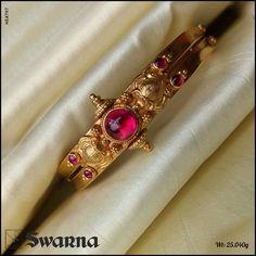 Latest Gold Jewellery, 24k Gold Jewelry, Antique Jewellery, Gold Bangles, Jewelry Design Earrings, Gold Jewellery Design, Necklace Designs, Designer Bangles, Golden Earrings