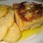 Receita de Bacalhau no forno em cama de cebola e batatas - Receitas Já, rapidas, faceis e simples Culinária para todos!!!
