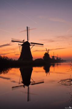 Sunrise Kinderdijk by Bram van Broekhoven on 500px