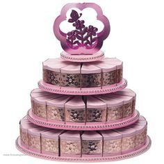 bruidstaart stand met 48 bedankdoosjes roze