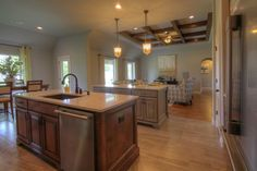 Simmons Homes Irving Plan Double Island In Kitchen