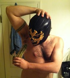 One tough luchador hombre. Shaves with a cactus. Mexican Humor, Hands Together, Tribal Tattoos, Cactus, Masks, Wrestling, Book, World, Inspiration