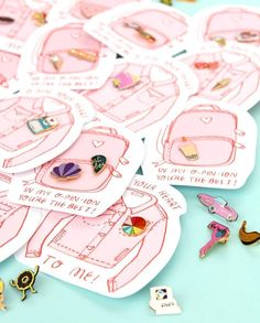 Clever girly pin packaging ! Love this idea for jewelry packaging design.