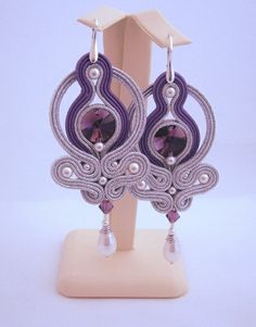 Pendientes colgantes - Silver and purple soutache earrings - hecho a mano