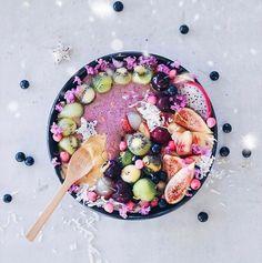 summer acai bowl