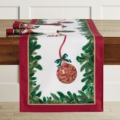 PERSONALIZED Christmas Floral Fabric Table Runner Festive Holiday Family Name Monogram Custom Tablecloth Table Holiday Decor Decoration
