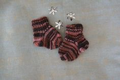 Newborn baby wool socks Baby Knitting, Knitted Baby, Matching Socks, Wool Socks, Baby Socks, Pink Brown, Baby Booties, Color Patterns, Baby Shower Gifts
