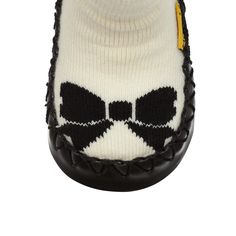 Why get plain slippers when you can get bow slippers! Black and white slippers that mirror perfection!