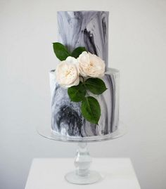 6 Marble Wedding Cakes to Swoon Over