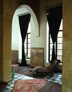 Franca Sozzani's house in Morocco , very chic interior !