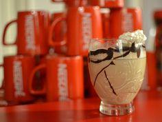 Se você já visitou a Casa Destemperados, com certeza já provou um Nescafé batido no Espaço Inspire-se. Como nós amamos café, convidados a barista Daniela Raymundo para nos ensinar novas receitas.