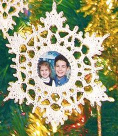 snowflakeframe - free crochet pattern
