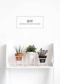 Give Your Plant A Throne Plant stand DIY balsa wood crafts DIY mit Holz Modern Plant Stand, Wood Plant Stand, Plant Stands, Diy Wood Projects, Wood Crafts, Plant Projects, Woodworking Projects, Diy Crafts, Plant Crafts