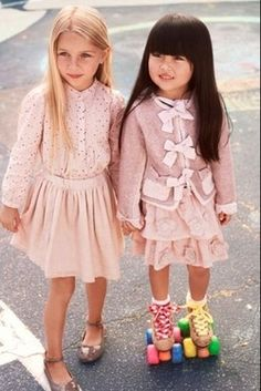 Call for Fashion: Photo Gallery - Fashion Kids.outfits with the skates Fashion Kids, Little Girl Fashion, My Little Girl, Fashion Photo, Toddler Fashion, Fashion Clothes, Style Fashion, Babies Fashion, Fashion Models