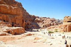 Climbing to the High Place of Sacrifice - Petra - Jordan - Liesbet à Paris