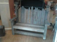 garden bench made from barn board with birdhouses on corners - Modern Handmade Wood Furniture, Log Furniture, Dollhouse Furniture, Furniture Ideas, Barn Board Projects, Wood Projects, Corner Garden Bench, Garden Benches, Sitting Bench