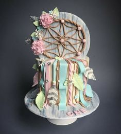Feather Cake, Cata, Wild Ones, Cake Designs, Snow Globes, Dream Catcher, Inspiration, Cake Baby, Home Decor