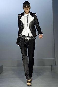 Balenciaga Spring 2007 Ready-to-Wear Fashion Show - Irina Lazareanu