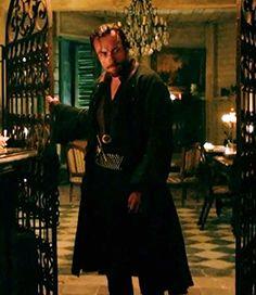"Toby Stephens as Captain Flint in ""Black Sails"""