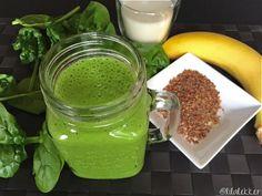 Heb je nog nooit een groene smoothie gedronken? Lees dan snel verder want dan heb ik voor jou en lekkere recept voor een volle groene smoothie -voor je ochtend moody- van spinazie en banaan. Deze combinatie smaakt namelijk heerlijk zoet en komt daardoor vast ook bij jou door de smaaktest!