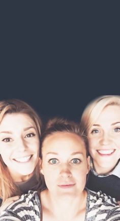 30 day YouTube challenge day 25 youtubers who changed your way of thinking: Grace, Hannah, and Mamrie. they made me realize how important friendship is