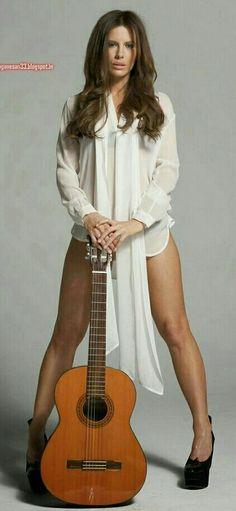 Kate Beckinsale Hot Bikini Sexy Legs Topless New HD Photos Beautiful Celebrities, Beautiful Actresses, Most Beautiful Women, Beautiful Legs, Kate Beckinsale Hot, Underworld Kate Beckinsale, Chica Fantasy, Guitar Girl, Lauren London