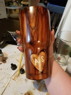 Post with 1122 votes and 97578 views. Tagged with diy, creative, secretsanta; Shared by Woodgrain tumbler DIY Tumbler Diy, Diy Tumblers, Custom Tumblers, Tumbler Cups, Glitter Tumblers, Tumbler Stuff, Acrylic Tumblers, Personalized Tumblers, Tassen Design