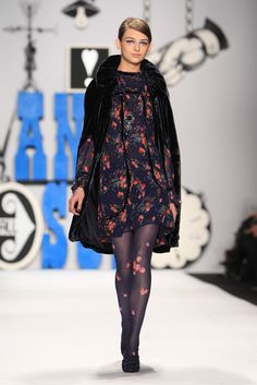 Anna Sui --- this dress oozes a whimsical flair so mysteriously fantastic and effortless.