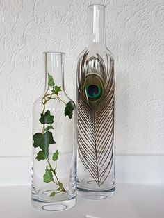 ideas for home decoratie stolp ideas for home decoration jar Western Style, Home Decor Trends, Diy Home Decor, Feather Wall Decor, Deco Floral, Creative Home, Bottle Crafts, Flower Arrangements, Diy And Crafts
