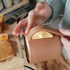 Ceramic Tools Ceramic Mugs Ceramic Art Sculpture Lessons Sculpture Art Pottery Handbuilding Clay Mugs Pottery Techniques Pottery Studio Pottery Supplies, Pottery Tools, Slab Pottery, Pottery Mugs, Ceramic Pottery, Pottery Wheel, Ceramic Techniques, Pottery Techniques, Ceramic Tools