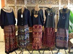 tenun Indonesia Batik Kebaya, Kebaya Dress, Batik Dress, Kebaya Lace, Blouse Batik, Muslim Fashion, Ethnic Fashion, Womens Fashion, Traditional Fashion