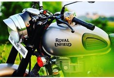 Royal Enfield Classic 350cc, New Photo Style, Body Weight Leg Workout, Royal Enfield Wallpapers, Bullet Bike Royal Enfield, Royal Enfield Accessories, Royal Enfield Modified, Duke Bike, Enfield Bike