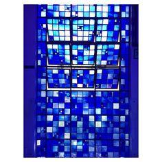 #detail #hubertvandoorne #muranos #stainedglasswalls #bluechurch #brasiliachurch #dombosco #vitrais #azul