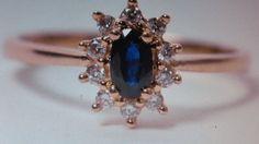 Parure di collana e anello con zaffiro e diamanti