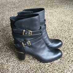 "FRANCOIS PINET PARIS Boots size 9,5-10 New Made in Italy by famous France shoes designer Francois Pinet ,his leather shoes are for elegant and stylish women. All leather black with golden hardware,very comfortable,heal 3"" Francois Pinet Shoes Ankle Boots & Booties"