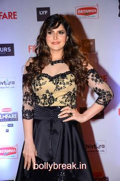 Zarine Khan Hot HD Pics in Black Gown from Filmfare Awards