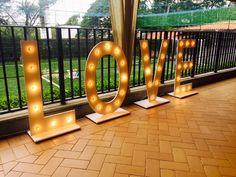 Love - Letras iluminadas para casamento Mais