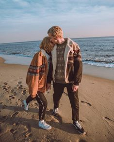 Couple Ideas Date Summer Cute Relationship Goals, Cute Relationships, Couple Relationship, Love Couple, Couple Goals, Fotografia Retro, The Love Club, Boyfriend Goals, Couple Aesthetic